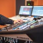 Mastering und Mixing Mischpult im Aufnahmestudio